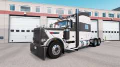 Early Xmass skin for the truck Peterbilt 389